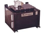 Réservoir de liquide hydraulique à montage latéral